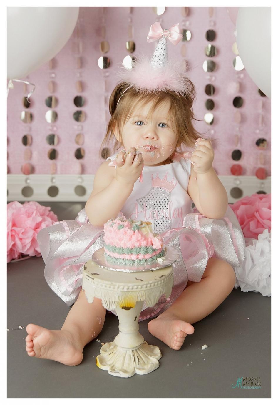 Pooler First Birthday Photographer|Megan Myrick Photography|www.meganmyrickphotography.com